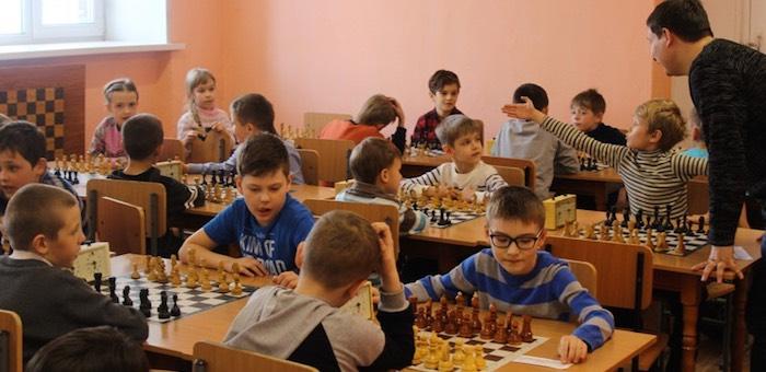 В Барнауле прошел турнир по шахматам памяти Юрия Ченцова
