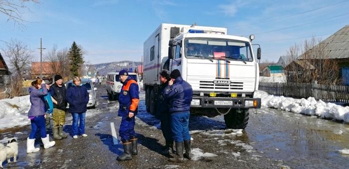 Паводковая ситуация стабилизировалась в Шебалинском и Усть-Коксинском районах, но ухудшилась в Турочакском