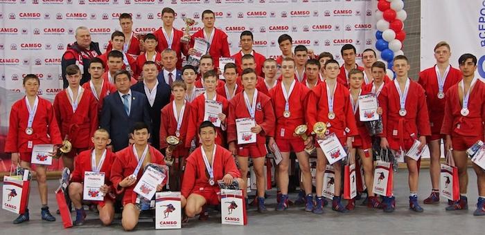 Алтайские самбисты завоевали медали на соревнованиях «Сибирский богатырь»