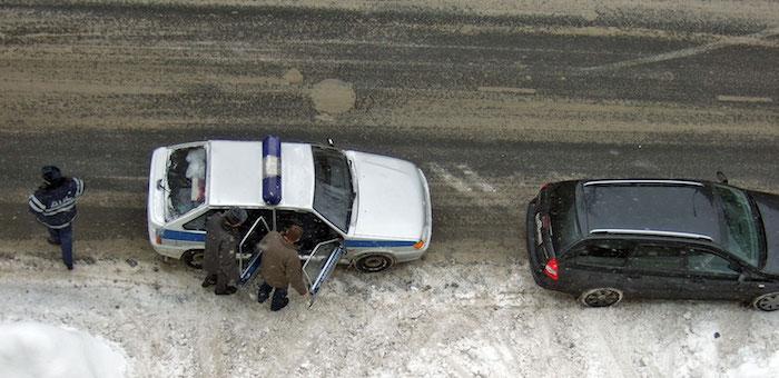 Водителя, отвезшего пострадавшего пешехода в больницу, накажут за оставление места ДТП