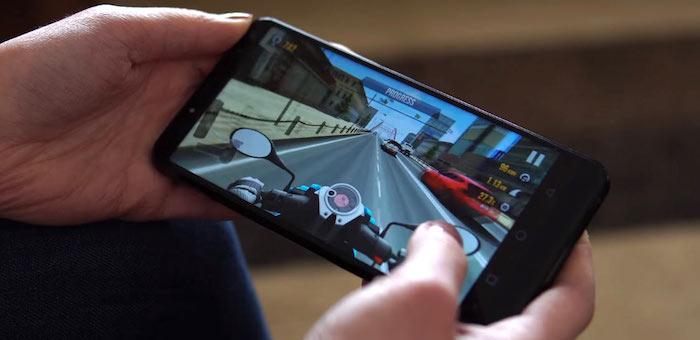 Продажи широкоэкранных смартфонов на Алтае демонстрируют взрывной рост