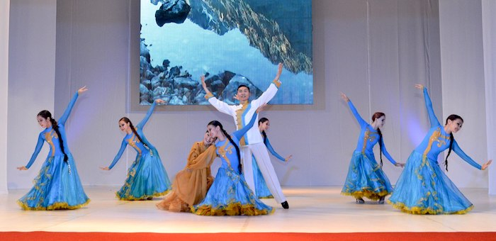Всемирный день танца с театром «Алтам»