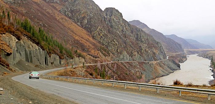 В Республике Алтай начались ремонтные работы на Чуйском тракте
