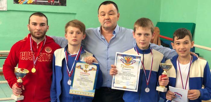 Спортсмены «Атаки» стали призерами первенства Бийска по кикбоксингу