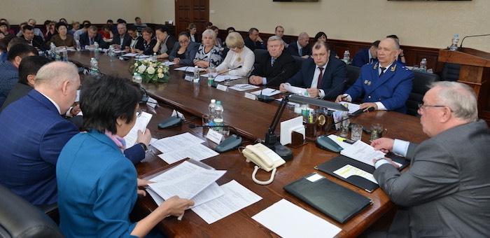 Лидеры профсоюзов встретились с главой республики