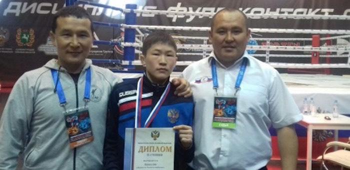 Спортсмен из Горного Алтай завоевал путевку на первенство мира по кикбоксингу
