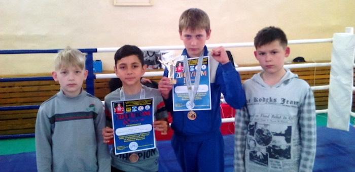 Спортсмен из Горно-Алтайска выиграл турнир по кикбоксингу в Белокурихе