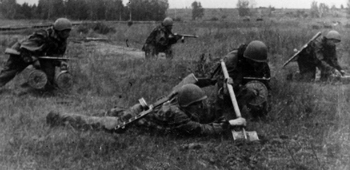Лично уничтожил восемь оккупантов и установил десятки мин