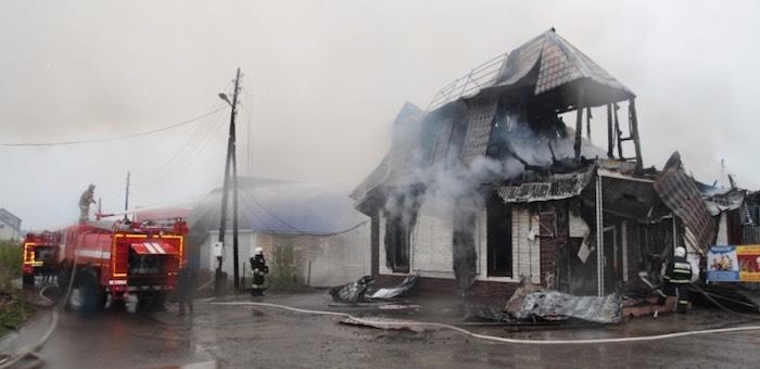 В торговом павильоне в Майме случился пожар (фото, видео)