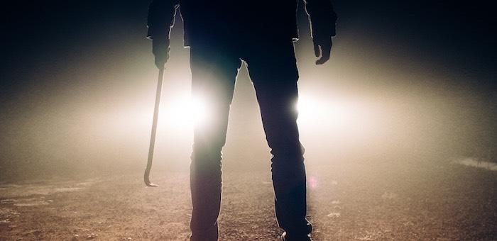 Пьяный мужчина до смерти избил кочергой спящего сына
