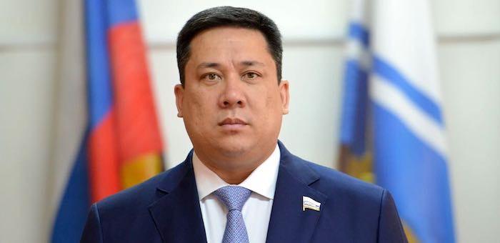 Президент наградил Владимира Полетаева почетной грамотой
