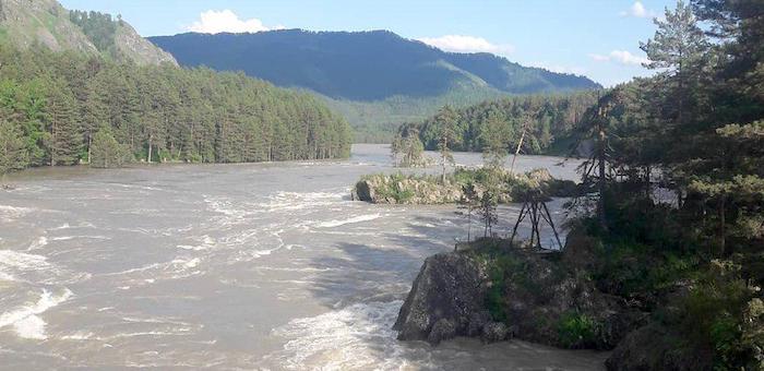 МЧС предупреждает: в реках Горного Алтая возможен дальнейший рост уровня воды