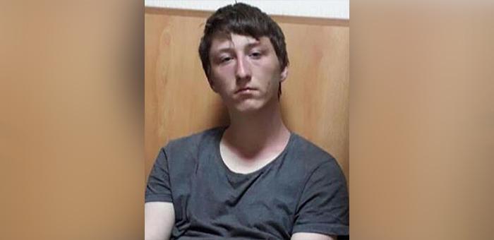 Полиция разыскивает сбежавшего из интерната подростка