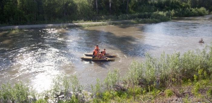 Спасатели эвакуировали с острова на Катуни юных «робинзонов»