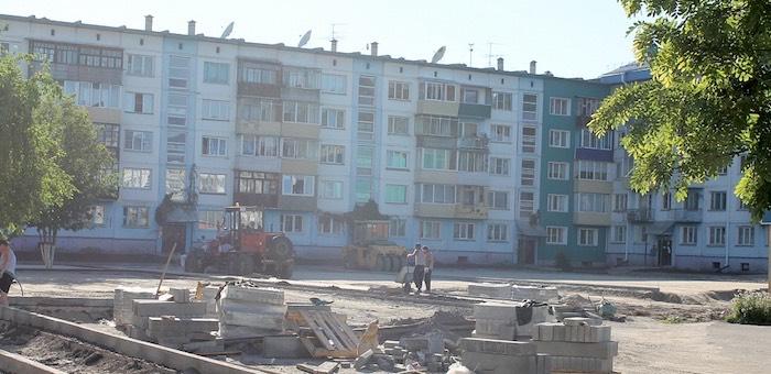 12 дворов благоустроят в Горно-Алтайске в этом году