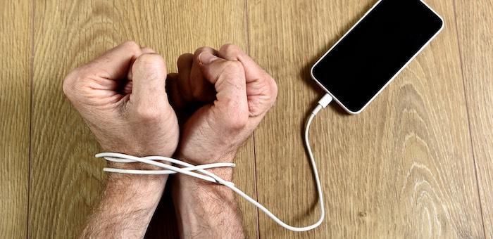 За украденные телефоны рецидивистов приговорили к лишению свободы