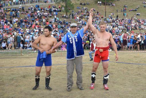 Андрей Томчук стал абсолютным чемпионом по борьбе куреш