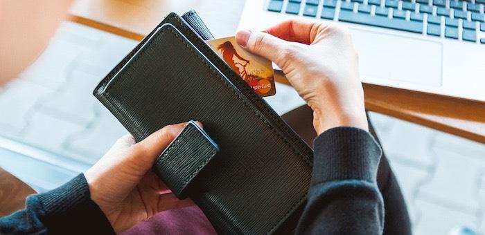 Новая услуга – выдача кредита онлайн на банковскую карту