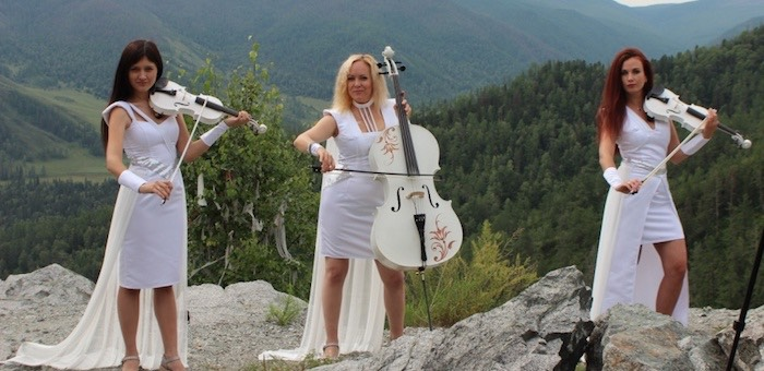 Популярная новосибирская девичья группа снова сняла клип в горах Алтая