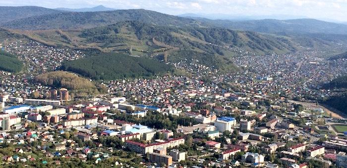 Благоустройство дворовых территорий в Горно-Алтайске близится к завершению