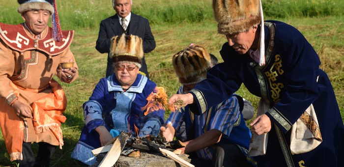 На горе Тугая обустроят обрядовую площадку «Алтайский родник»