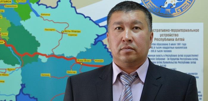 Никита Санин единогласно избран спикером улаганского районного совета