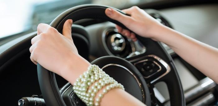 Злость на бывшую возлюбленную горожанин выместил на ее автомобиле
