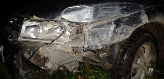 Пьяный житель Усть-Кана ночью протаранил встречную машину