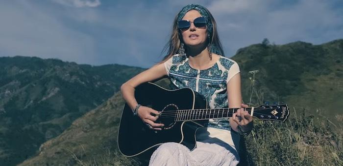 Красивый клип на песню новосибирской певицы сняли в Чемальском районе