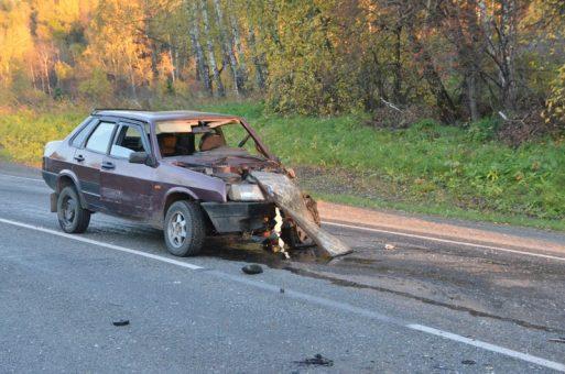 Воскресная трагедия. Два отечественных авто столкнулись у турбазы «Юность»