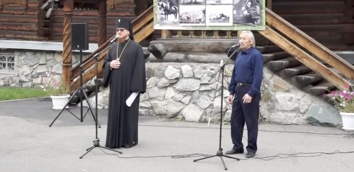 Архиепископ Каллистрат спел с Кара Маймановым песню «Шуралай» на алтайском языке