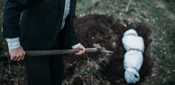 В Горно-Алтайске убили жителя Бийска, а его тело скинули в яму и залили бетоном