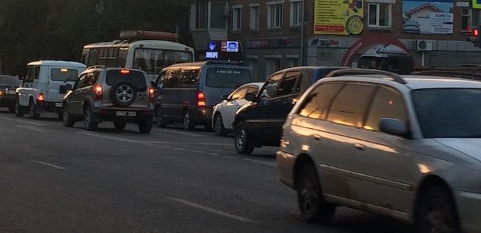 В Горно-Алтайске до конца месяца будет ограничено движение по улице Чорос-Гуркина