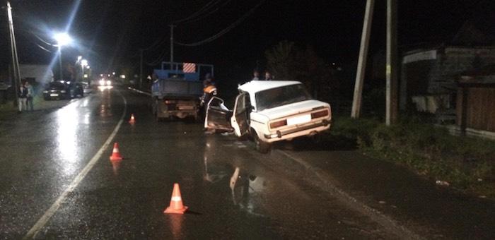 Нетрезвый житель Кызыл-Озека «догнал» грузовик и врезался в него