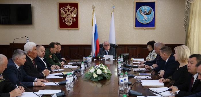 Глава республики встретился с представителями ветеранских организаций