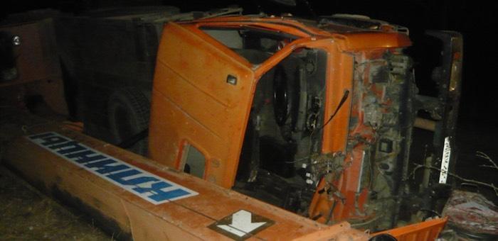 Пьяный водитель перевернул «Камаз», госпитализирована пассажирка
