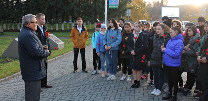 В Горно-Алтайске почтили память жертв «керченского стрелка»