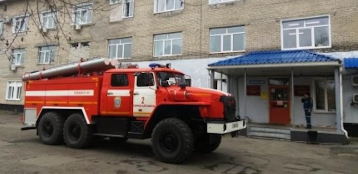 Пациентов и персонал детской больницы эвакуировали из-за короткого замыкания