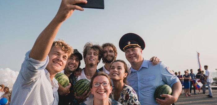 Любовь в Крыму, байопик о Фредди Меркьюри, комедийный Хэллоуин: премьеры недели