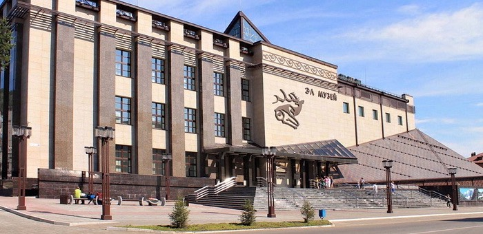Столетие Национального музея отметили в Горно-Алтайске