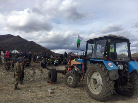 В Бичикту-Бооме прошли соревнования среди трактористов