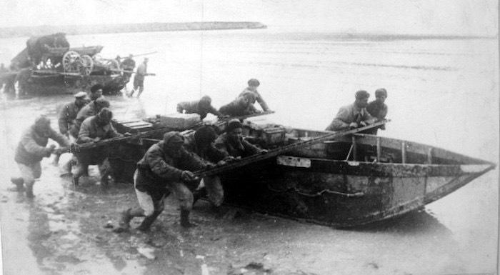 Трижды переправил через Сиваш на крымский берег технику и артиллерию