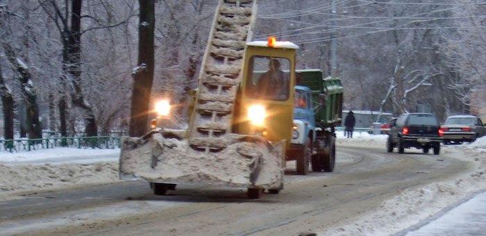 Три организации заняты на уборке снега в Горно-Алтайске