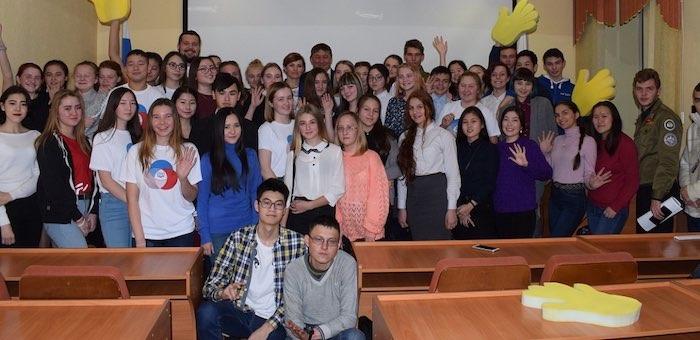Руководители Горно-Алтайска встретились с волонтерами