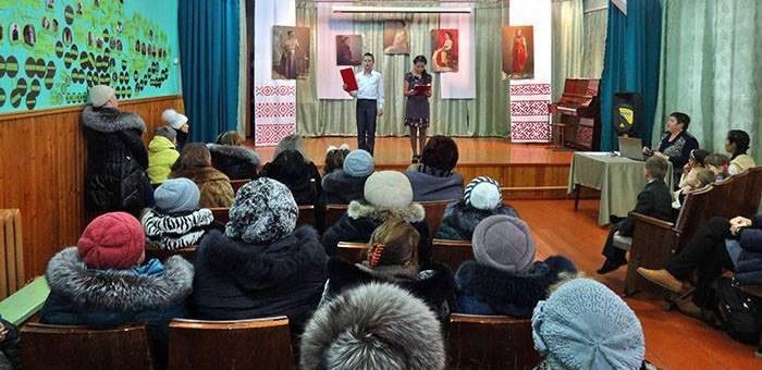 Александр Бердников пообещал верх-уймонцам помощь в восстановлении клуба
