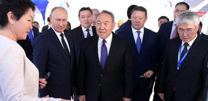 Экспозицию Республики Алтай, посвященную туризму, посетили президенты России и Казахстана
