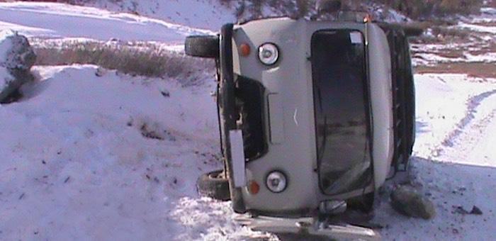 В Кош-Агачском районе перевернулся УАЗ, водитель погиб