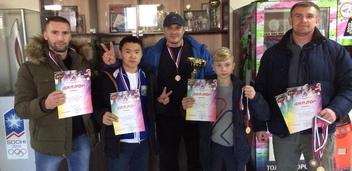 Горно-алтайские спортсмены стали победителями кубка Алтайского края по пауэрлифтингу