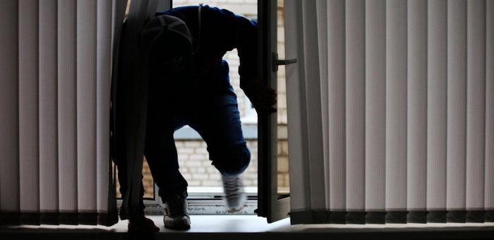 Не повезло с краевыми: двое жителей соседнего края обокрали своих работодателей в республике