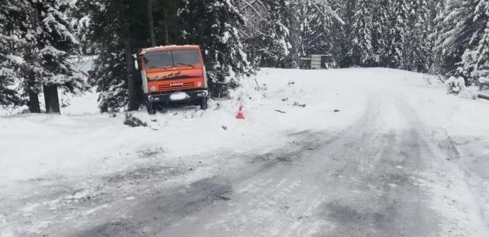 Мужчина погиб под колесами плохо припаркованного «Камаза»